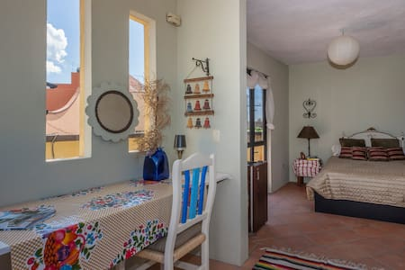 Rooftop Studio/Outdoor Patio - San Miguel de Allende - House
