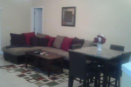 Charming home near Orlando & Tampa - Lakeland - Maison