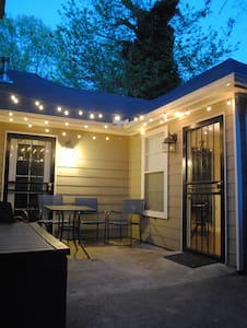 Comfy & Close Studio apt private entry & kitchen - Memphis