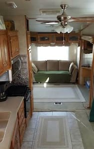 Wine Country RV Resort with golf!! - Aguanga - Camper/Roulotte