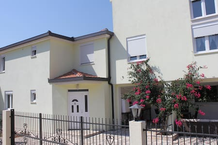 Villa with sea and mountain views - Dobra Voda