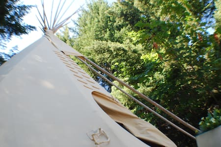 Four Winds Tipi - Tipi