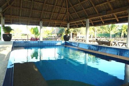 2 Big BR family in Los Banos resort - Cabin