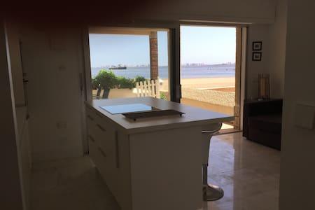 Apartamento minimalista a pie de playa - Appartement