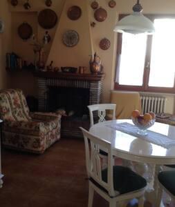 Acqualagna, villa per 5 persone - Acqualagna