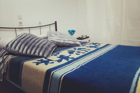 Budget Double Room - Athina - Bed & Breakfast