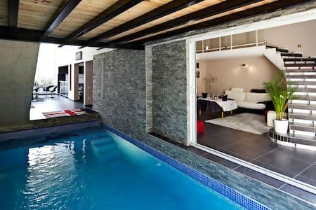 Magnifique Loft piscine et sauna... - Marseille - Loft