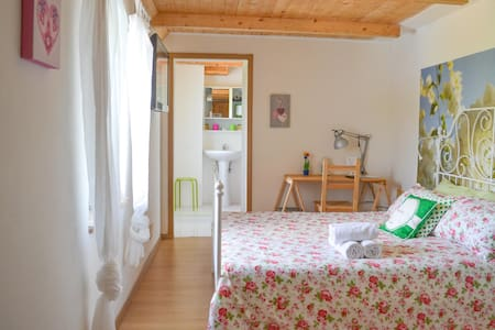 B&B in Cilento, your cosy bedroom - Sessa Cilento