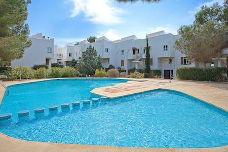 Apartamento con piscina comunitaria - Wohnung