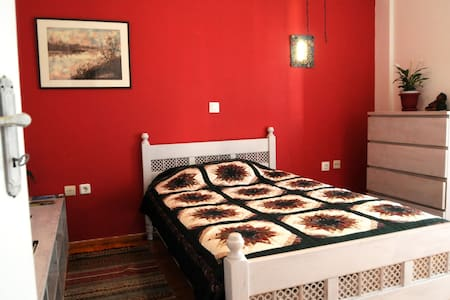 A Room of One's Own (Mets, Athens) - Athina - Huoneisto