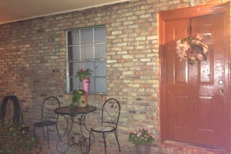 Weekly Rental - Pascagoula - Apartment