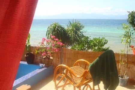 Beachfront Studio with privat Beach - Moalboal