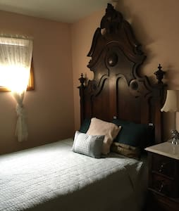 Heirloom, hand crafted, bedroom set - Bedford - Talo