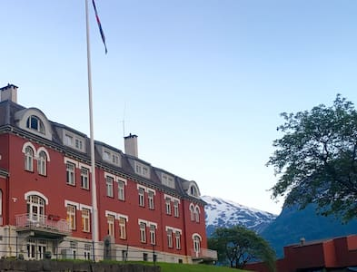 Directors room-Historical input before Trolltunga - Bed & Breakfast