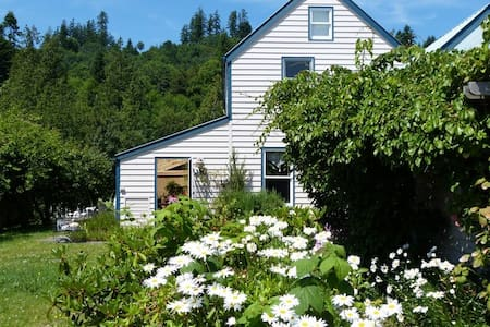 Waterfront Haven off Hood Canal - Port Ludlow - House