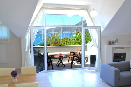 Guney Apartment with Sea view - Appartement