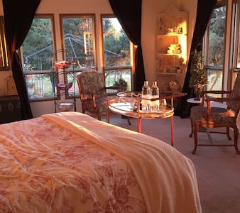 AirBnB Spa-cation-Includes Massages - House