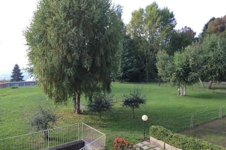 Galbiate:  bella ed accogliente stanza singola - Villa Vergano