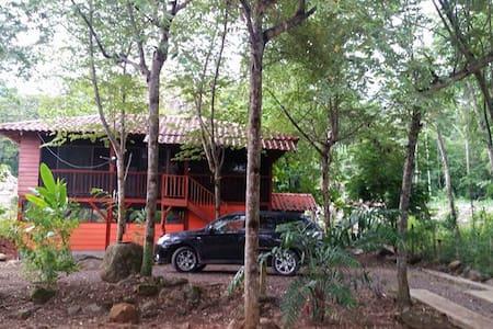 Preciosa casa en el paraíso! - Uvita - Cabin