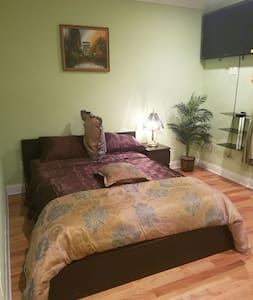 Huge Lux Room 15mins frm Manhattan - Secaucus - Casa