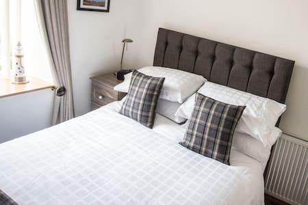 ByTheBay, B & B Cruden Bay,Aberdeenshire, Scotland - Guesthouse