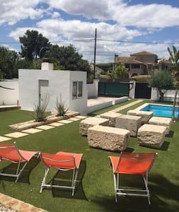 Gran dormitorio par 5/6 personas en la Canyada - Paterna/La Canyada - Bed & Breakfast