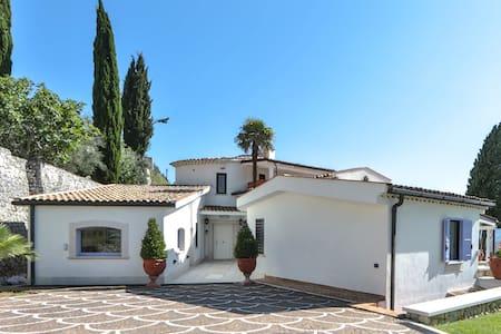 Villa con piscina tra Napoli e Gaeta - Ausonia - Villa