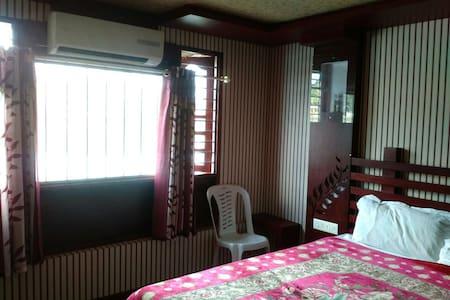 MyStays @ Alappuzha houseboat 2pax - Alappuzha, Kerala, IN
