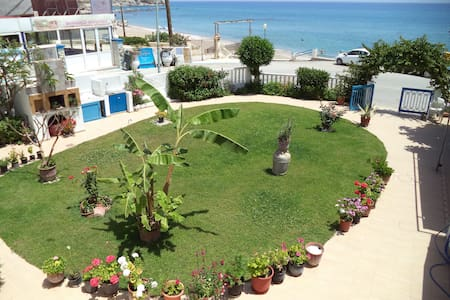 One Bedroom Apartment, 30m from beach, sea view - Appartement