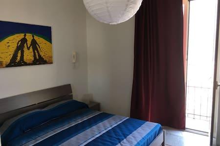 Appartamento centrale a due passi dal mare - Lejlighed