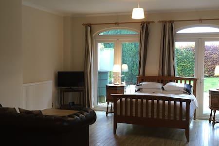 Highwaymans Studio Apartment - Bury Saint Edmunds