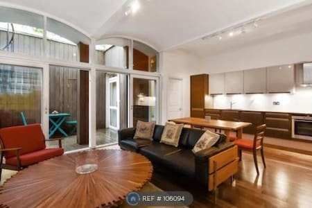 Luxury 2beds modern in Hyde Park