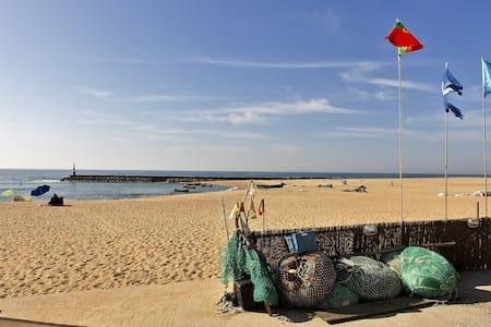 The Seaside & Oporto Beach House - Casa