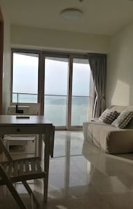 FIVE STAR-  NEW LUXURY  SEA VIEW FLAT, 3 MIN MTR - Hong Kong - Apartment