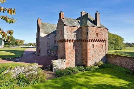 Historic Scottish Borders Castle - Castello