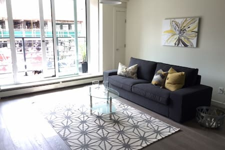 Modern new spacious studio near Chinatown/Gastown - Appartement