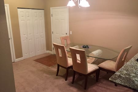 1BD/1BA Luxury Apt. In Fayetteville - Fayetteville - Apartment
