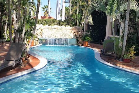 Luxury 5* condo (apartment) close to the beach - Appartement