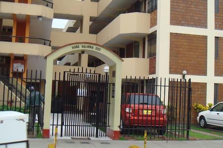 Depa en  Surco, muy cerca del Surco Viejo,Lima - Apartment
