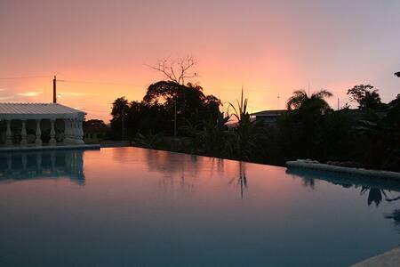 Hermosa casa privada equipada con piscina, Orotina - Orotina - House
