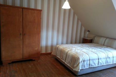 Fachwerkhaus auf idyllischem Dorf - Hann. Münden - Hus