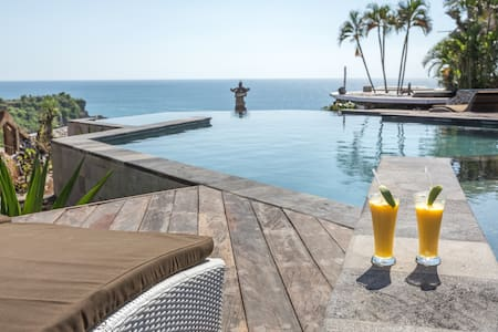Charming Clifftop Eco-Loft above Secret Beach - South Kuta - Loft