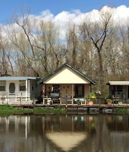 Floating Cabin in Cajun Country - Breaux Bridge - Blockhütte