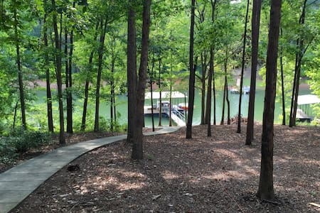 Lake Hartwell getaway and Clemson game day retreat - Townville - Ev