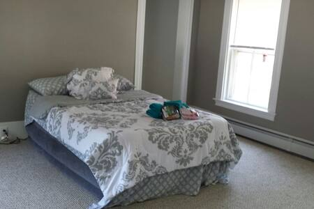 Riverview Room #6 (air mattress) - Bed & Breakfast