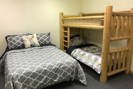 The Cedar Lodge #5, Cozy, Private - Oakhurst
