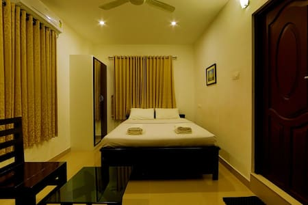 Executive Room Near Cochin Airport - Bed & Breakfast