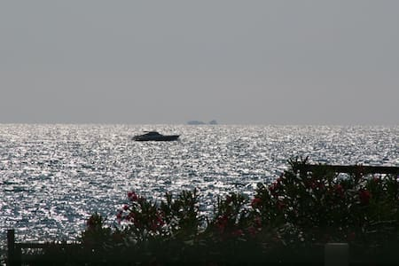 Chalet Teresa Villetta indipendente a 30m.dal mare - Villa