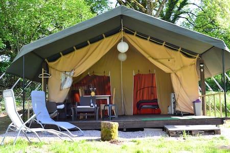 Location Safari Lodge Tent Ambiance Morvan - Tent