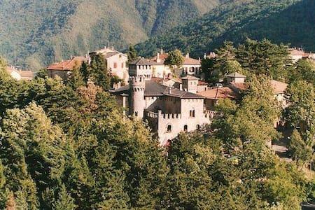 Alloggio al Muro della Torre - Castelluccio - Apartment